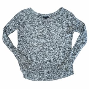 AMERICAN EAGLE Women's Black & White Lightweight Scoop neck Sweater. Size small